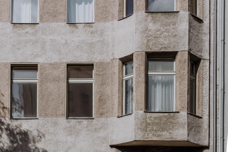 Fassade mit Erker zur Kreuzberger Straße am Viktoria Park